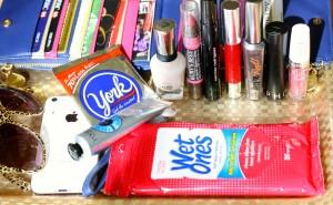 What's in YUMMOMUMMO'S bag?