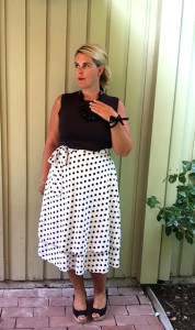 Magic skirt! 1 skirt – 10 ways